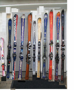 11 Alpine Skis/Skis Alpin: