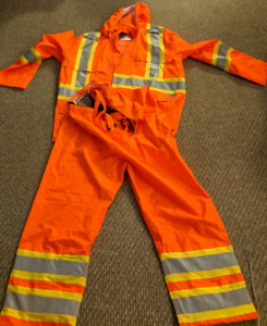 Viking 100% waterproof overalls and jacket