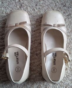 Girl shoes, size 11, new condition. $6 each or $10 for both Kitchener / Waterloo Kitchener Area image 2
