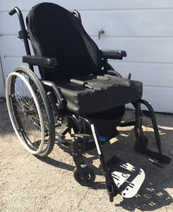 Quality like new Pump Cushion wheelchair