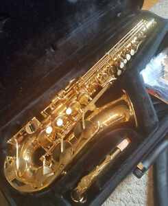 Yamaha Alto Sax $1300 or best offer YAS 275 2nd hand barely used