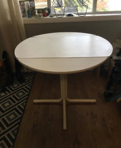 Table: drop leaf folding round