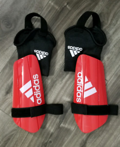 Soccer pads legs protection