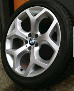Bmw x5 M rims and Dunlop winter tires set of 4