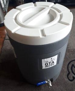 Homebrewing Mash King Cooler Mash Tun w/ False Bottom 11.7 gal