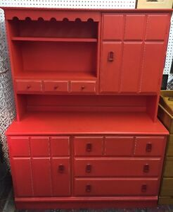 Red 3 Drawer Dresser with Hutch West Island Greater Montréal image 1