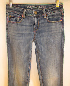 AMERICAN EAGLE OUTFITTERS Skinny Jeans - Size 0 (Aylmer) Gatineau Ottawa / Gatineau Area image 2