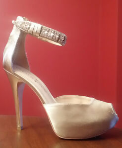 High Heeled Shoes in Orangeville, champagne / nude colour