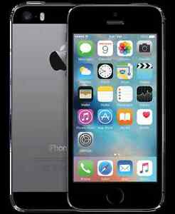 **Like New** iPhone 5s Space Grey 16GB (BELL/VIRGIN)