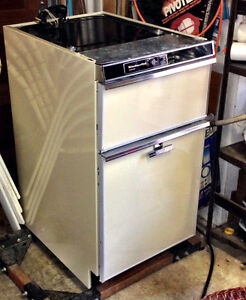 KITCHEN AID COMPACTOR FOR KITCHEN