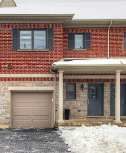 Stunning Executive Townhome in the Heart of Waterdown!