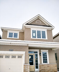 Kanata Brand New 3 Bedroom Single House For Rent $1700/Month