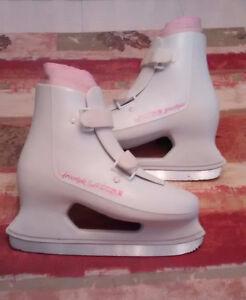 Ladies Skates size 8