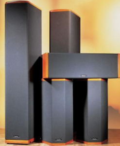 1500 W Stunning Super Tower Standing Speakers and Centre Channel