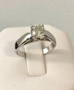 18k gold .72ct. diamond engagement ring *Appraised @ $7,600