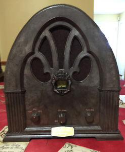 Antique radio replica