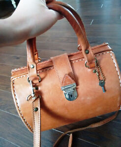 Genuine Leather Medecine Bag Purse Gatineau Ottawa / Gatineau Area image 1