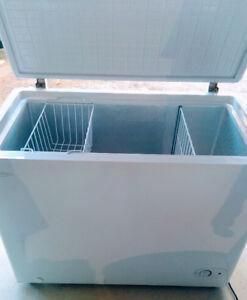 Danby 7 L Chest Freezer - Congélateur coffre 7 litre * LIKE NEW!