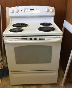 GE Stove and Refrigerator