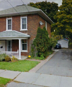 2 Story East City House nest to amenities n Trent Bus on Street
