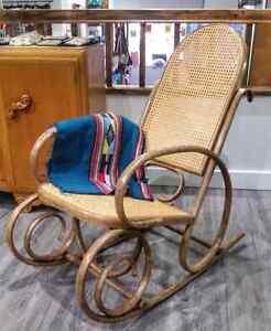 Rocking Chair Wood w Rattan