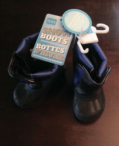 *Brand New* 4T Snow Boots