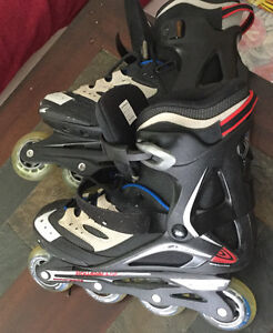 Men's size 9 roller blades like new 25.00