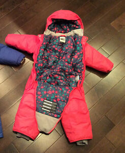 MEC toaster 18 month like new snow suit