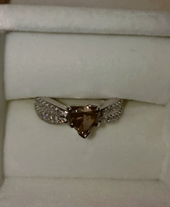 $5000+Huge 1.3 carat Certified fancy diamond engagement ring