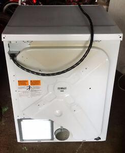 Dryer Good Condition Cambridge Kitchener Area image 4