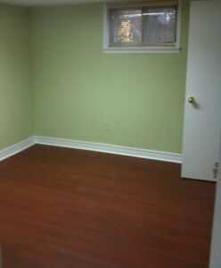 Mcmaster Summer Sublet - 5 minute walk from campus!