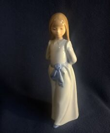 VINTAGE LLADRO NAO FIGURE : GIRL IN BLUE DRESS WITH HANDS BEHIND HER BACK (S6) 1982