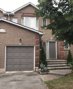 3 BR TOWNHOME FOR RENT OAKVILLE- SEPT (UPPER MIDDLE RD & 4TH LN)