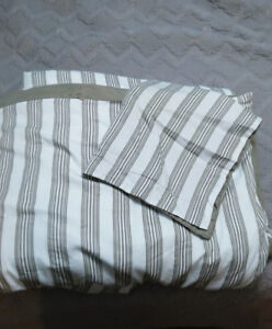 Twin Bed Comforter & Pillow Sham