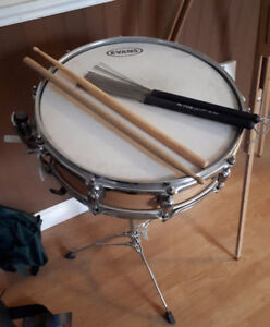 Evans snare with stand