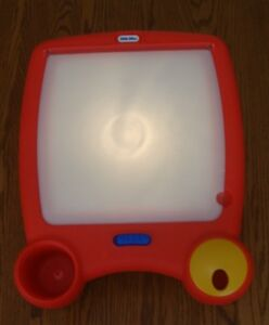 LITTLE TIKES LIGHTED TRACING/DRAWING  BOARD