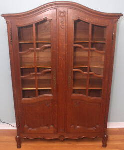Solid Oak Antique Louis 15th Style Hutch/Bookcase