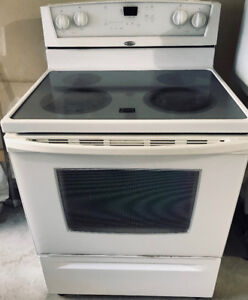 Whirlpool Smooth Glass Top Stove White - CAD 150 or Best Offer