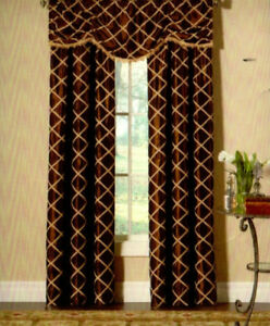 Francesca Curtain (2 Curtains + 2 Valances + Sheers)