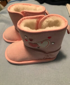 Baby girl winter boots brand new never worn