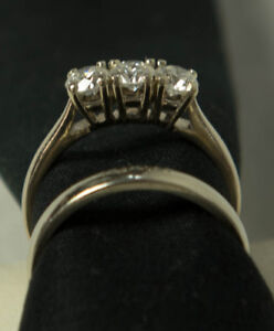 Gorgeous White Gold Diamond Engagement Ring and Band