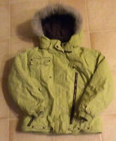 Two-piece Girls size 6 snowsuit in excellent condition!