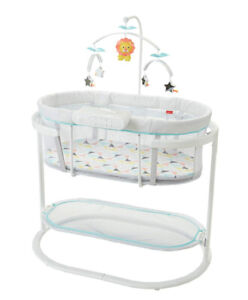 Fisher-Price Soothing Motions Bassinet -