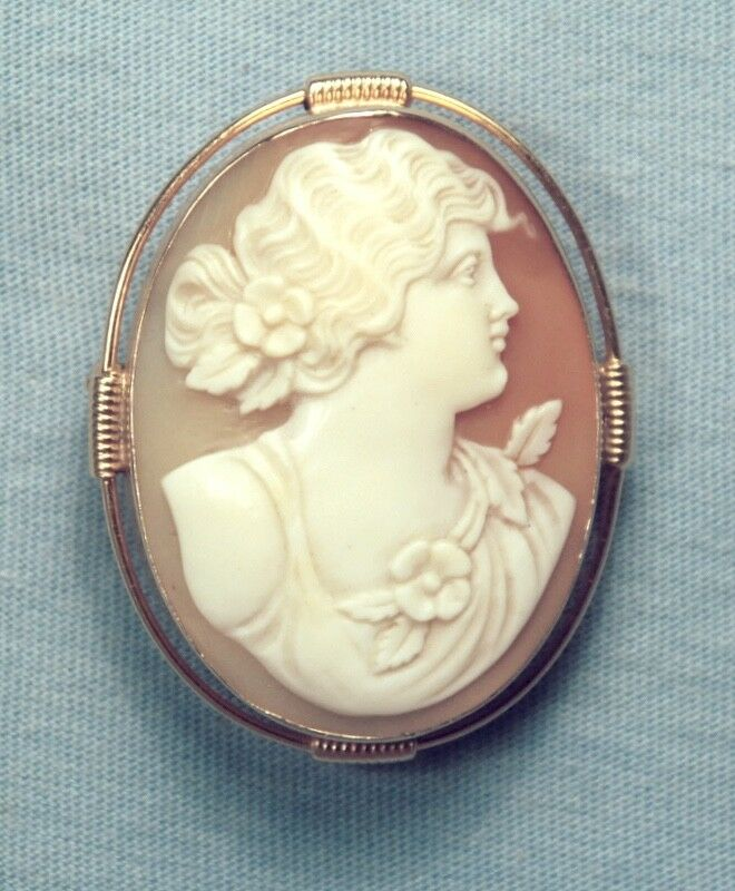 VINTAGE 14K SOLID GOLD CARVED SHELL CAMEO PENDANT BROOCH / BEAUTIFUL SETTING