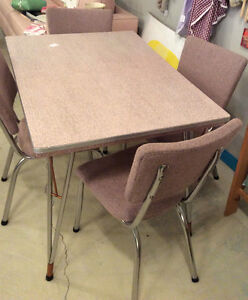 Retro 60's pink table and chairs