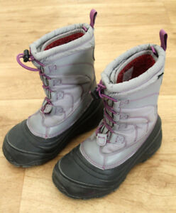 Girls winter boots; size 2