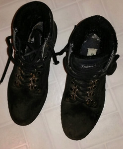 Size 7...Thinsulate Ladies Boots