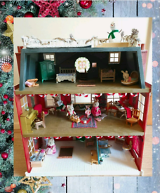 Sylvanian Families Christmas Country Mansion,Figures,Furniture