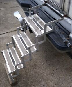 RV 3-step aluminum folding stairs with all weather grips