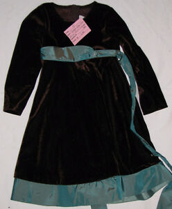 Girls Size 4 & 4T Clothes (Tops, Pants, Coats, Dresses etc.) London Ontario image 5